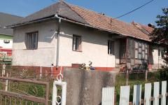Vo Finticiach starší rodinný dom na predaj